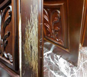 Реставрация царапин на двери после питомца